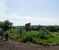 Осмотр территории братской могилы в поле с.Росоловцы