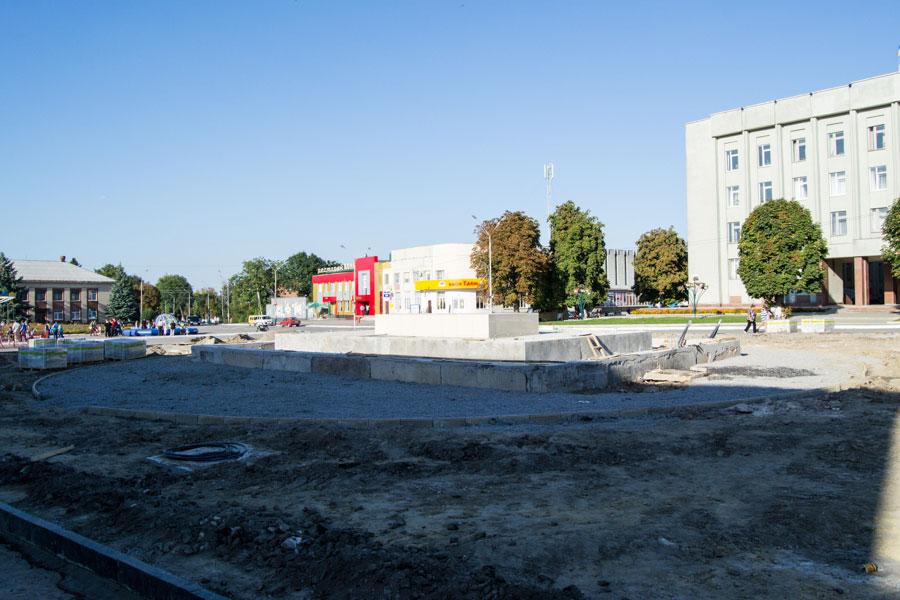 Реконструкція міської площі в Красилові