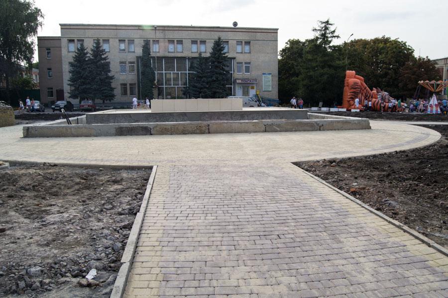 Реконструкція міської площі, станом на 14.09.2014