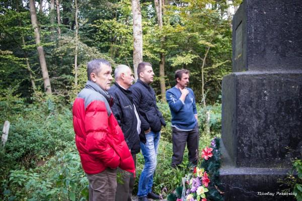 Михаил Вулах посетил еврейские братские могилы
