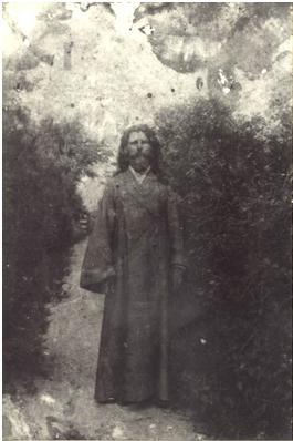 Соборный протодиакон Климентий Качуровский, который пытался вразумить гайдамаков. Те повалили его на землю и искромсали саблями