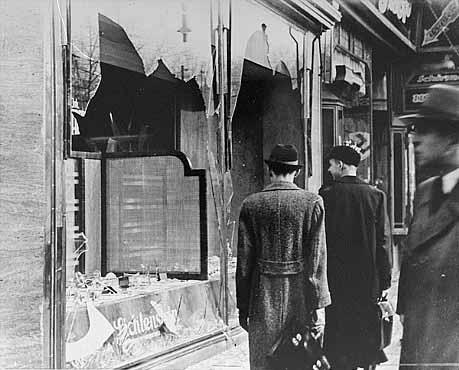 Хруста́льная ночь, или Ночь разбитых витрин — погром (серия скоординированных атак) против евреев во всей нацистской Германии и части Австрии 9—10 ноября 1938 года, осуществлённый военизированными отрядами СА и гражданскими лицами.