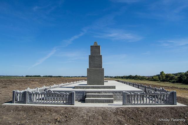 Реконструкция братской могилы в с.Росоловцы почти завершена