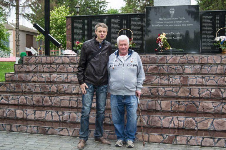 Михаил Корман высоко оценил проделанную работу на братских могилах